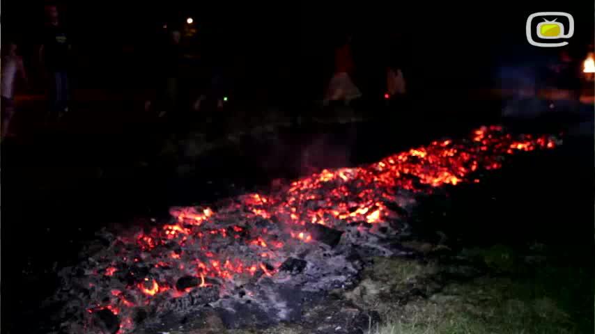 Święto Kresu - chodzenie po ogniu